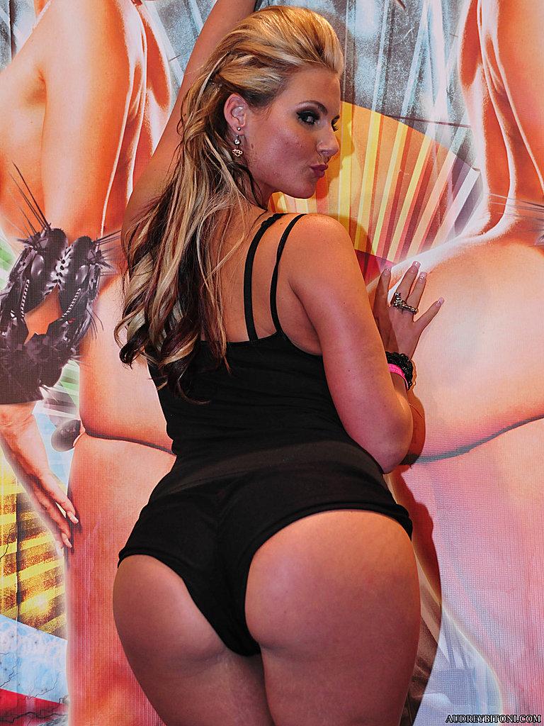 Audrey Bitoni и другие супермодели в стрингах и нижнем белье