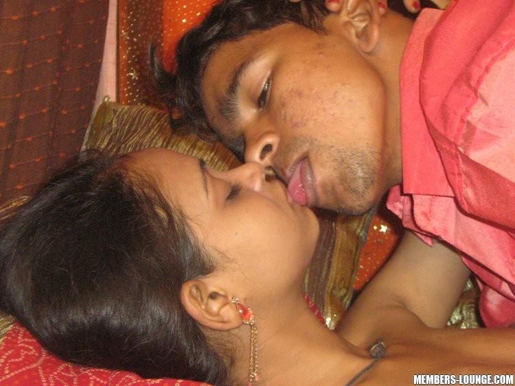 Индийская woman заглатывает пенис