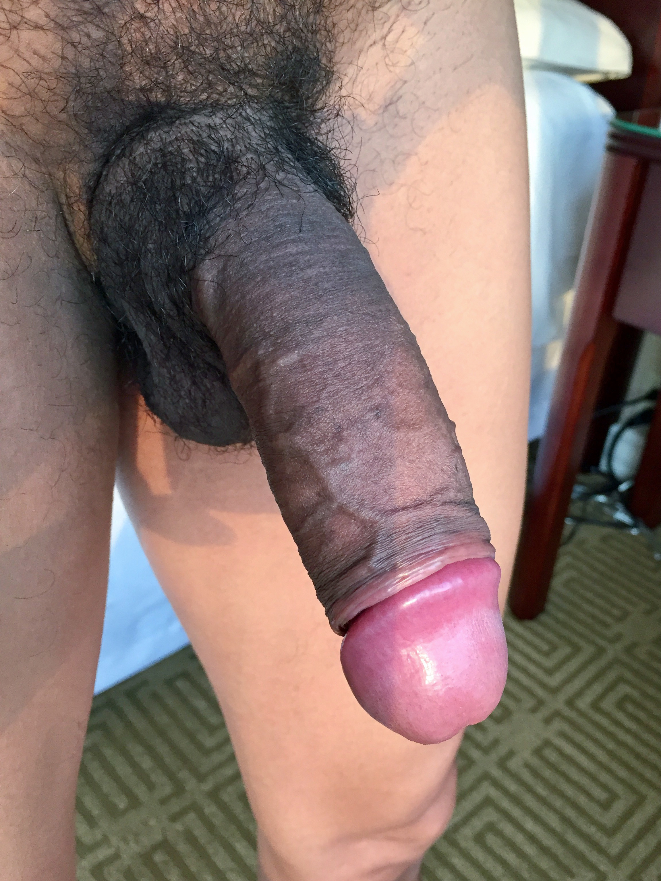Большой коричневый фаллос во рту моей супруги